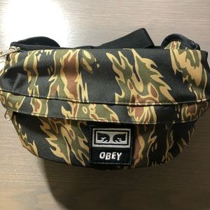 Obey Dropout Sling Bag Tiger Camo